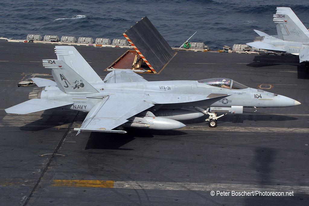 61 FA-18E_166780_VFA-31_AJ104_USS George HW Bush_CVN-77
