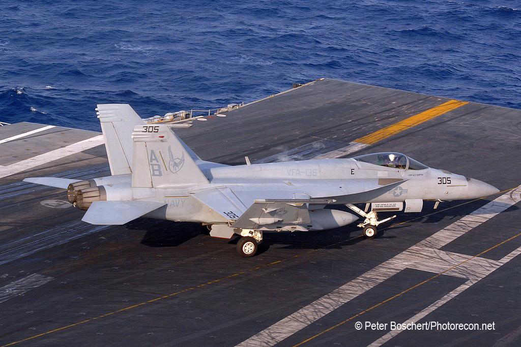 74 FA-18E_166825_VFA-136_AB305_USS Enterprise_CVN-65