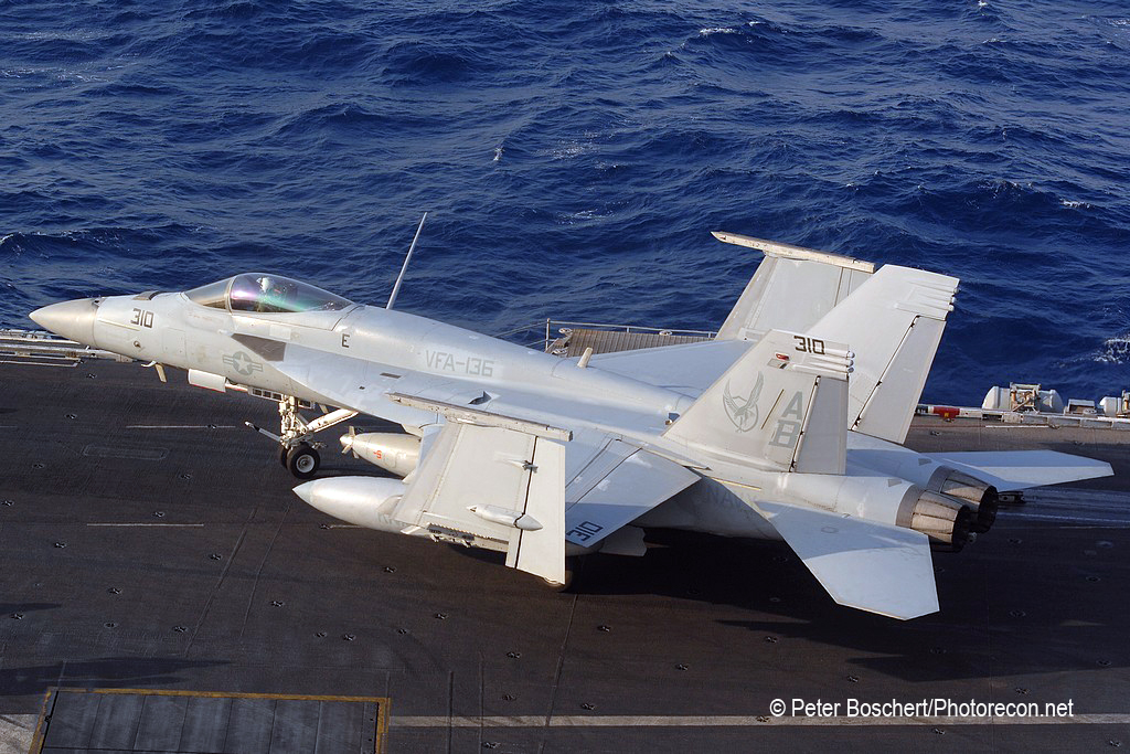 76 FA-18E_166828_VFA-136_AB310_USS Enterprise_CVN-65_2