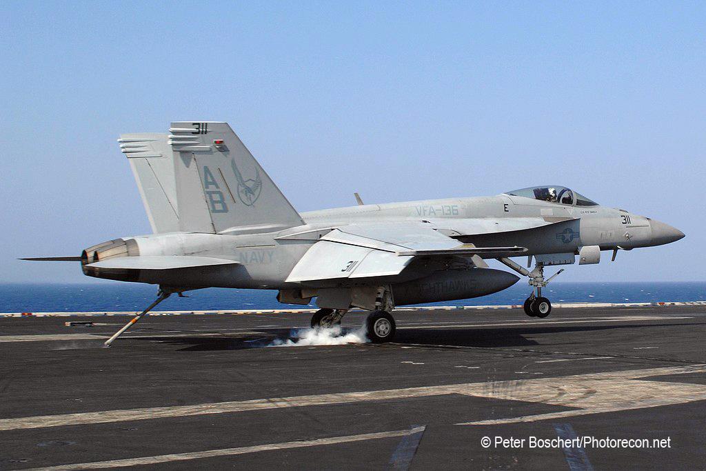 77 FA-18E_166829_VFA-136_AB311_USS Enterprise_CVN-65