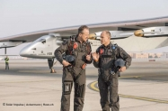 pr 2015_01_18_Solar_Impulse_2_official_portrait_Ackermann_NAK_2812_thumb[1]