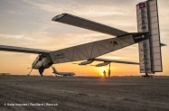 pr 2015_03_17_Solar_Impulse_2_RTW_3rd_Flight_Ahmedabad_to_Varanasi_landing_Revillard_24_thumb[1]