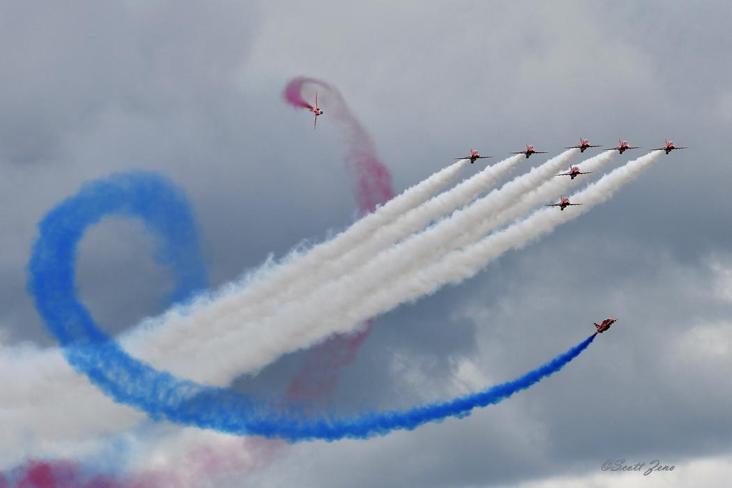 RAF_Red_Arrows_5560