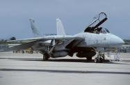 F-14A_160894_NWTS-211_04-1999_PtMugu_1024_Fi