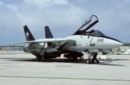 F-14B_161862_XF240_04-1999_PtMugu_02_1024_Fi